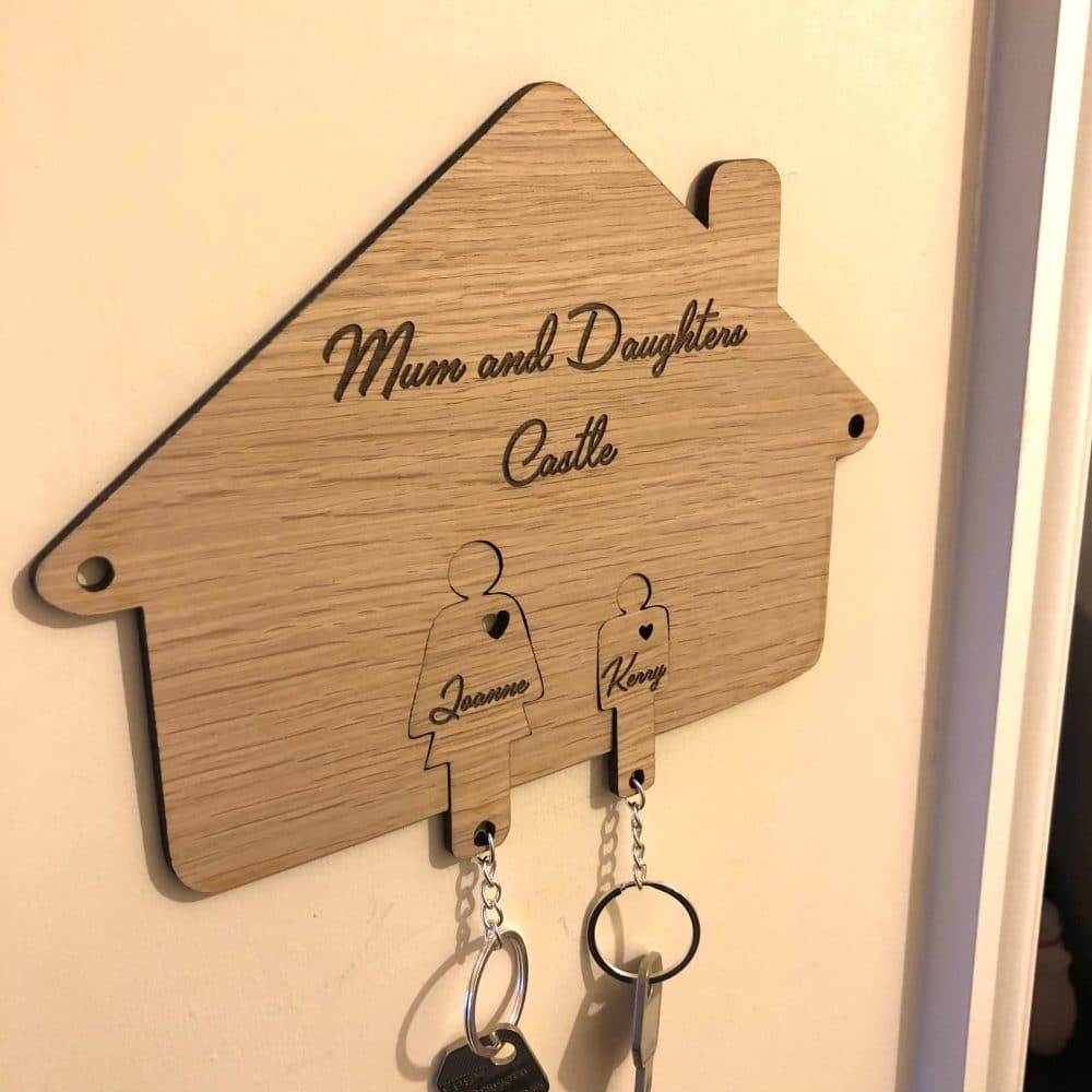 image of personalised family key holder